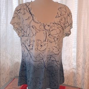 Comfy short sleeve top great with jeans